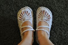 """Great Patttern... Mary Jane """"Skimmers"""" pattern by Hook Candy"""