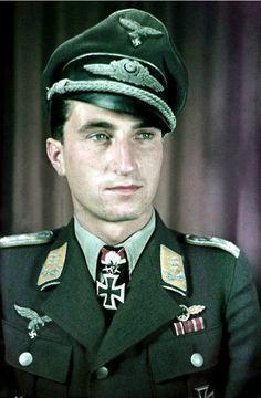 "✠ Walter ""Nowi"" Nowotny (7 December 1920 – 8 November 1944) killed in a crash following combat with US fighters. RK 04.09.1942 Leutnant Flugzeugführer i. d. 9./JG 54 + 04.09.1943 [293. EL] Oberleutnant Staffelkapitän 1./JG 54 + 22.09.1943 [37. Sw] Hauptmann Kdr I./JG 54 + 19.10.1943 [8. Br] Hauptmann Kdr I./JG 54"