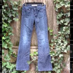 Joe's Jeans Muse High Rise in Perry Size 24/33 High rise bootcut jeans. The back bottom right leg has a little fray. joes Jeans