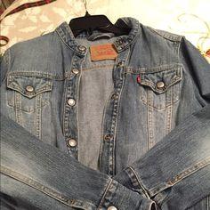 Levi's ladies light denim jacket sz large Always in style Levi's classic denim jacket. VGC. Smoke free home. Levi's Jackets & Coats Jean Jackets