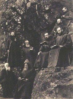 Hermanos de la extinta Orden de Eremitas de San Pablo y San Antonio Abad