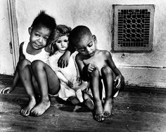 Children with Doll, Washington, D. is one of the images captured by photographer and writer Gordon Parks. Photo: Gordon Parks, Copyright The Gord, Courtesy Jenkins Johnson Gallery Gordon Parks, Park Photography, Glamour Photography, Modeling Photography, Photography Articles, Photography Gallery, Documentary Photography, Lifestyle Photography, Editorial Photography