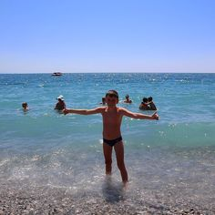 Какое же это Черное море??? Оно бирюзово-голубое!!! #Пицунда #Абхазия #черноеморе