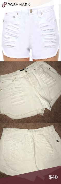 Mink Pink Slasher Flick White Cutoff Shorts M SOLD OUT EVERYWHERE!!!! MINK PINK SLASHER FLICK WHITE CUTOFF JEAN SHORTS Size medium. Destroyed & Super cute. These are brand new- removed tags and realized they were too large. I have them in denim also!!!! Comments, offers 👇🏼❌⭕️ MINKPINK Shorts Jean Shorts