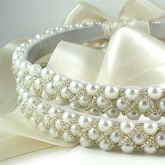The most beautiful pearl wedding Stevens/crowns! Rustic Wedding Inspiration, Wedding Ideas, Wedding Stuff, Greek Icons, Orthodox Wedding, Greek Easter, Silver Pillows, Ring Pillows, Bridal Jewelry