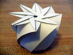 Origami gift boxes - patterns through here?