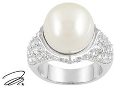 Marilyn Monroe (Tm) Jewelry Collection, Pearl Simulant And Crystal Rhodium Plated Bronze Ring