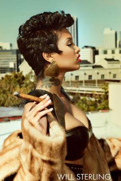 Cigars And Women, Women Smoking Cigars, Man Smoking, Cigar Smoking, Twist Curls, Black Women, Sexy Women, Cigar Art, Weak Men