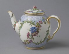Teapot Sèvres Porcelain Manufactory, France, 1759 The Philadelphia Museum of Art