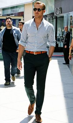 On-Set Sexiness from Ryan Gosling's Hottest Pics!  While filming Crazy, Stupid, Love, the hottie never failed to turn heads.