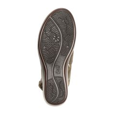 Línea de sandalia clásica con plantilla y cortes acojinados, forros de piel de borrego y suela ligera en sus cuatro estilos. Cuenta con ajustables meidante velcros, lycra o elásticos para adaptarse a distintos recios y de este modo proporcionar mayor co