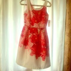 Floral print dress So pretty~ love the colors. Purchased for a wedding but didn't wear it. TTS Studio One Dresses Midi