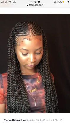 Box braids in braided bun Tied to the front of the head, the braids form a voluminous chignon perfect for an evening look. Box braids in side hair Placed on the shoulder… Continue Reading → Box Braids Hairstyles For Black Women, Braids Hairstyles Pictures, Braids For Black Hair, Hairstyles 2018, Hairstyles Videos, Bun Hairstyles, Braided Cornrow Hairstyles, African Braids Hairstyles, Half Cornrows