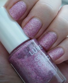 """""""Perfect Barbie-style nail polish"""", says beauty blogger Virve after falling in love with our Gel Effect Nail Polish in shade 60, Frost Berry. #nailpolish #lumene"""