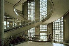 Auguste Perret - Escalier du Palais d'Iéna, Paris, Siège de CESE © Benoit Fougeirol