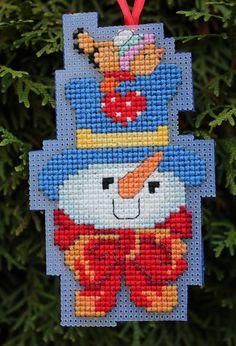 Cross Stitch ornamento de la Navidad - muñeco de nieve en sombrero