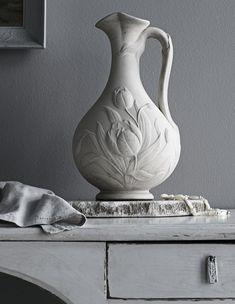 photo Päivi Anita Risstel, styling Anna-Kaisa Melvas / Glorian Koti Anna, Vase, Home Decor, Style, Swag, Decoration Home, Room Decor, Jars, Vases