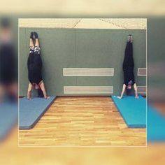 Berlin Owls Cheerleader - BOC - Handstand - Tumbling