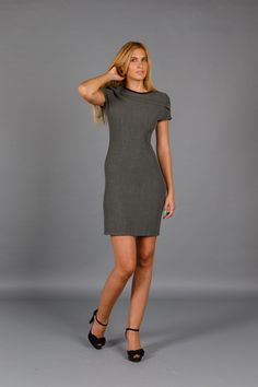 Rochie midi Grey Moment este realizata dintr-o stofa de calitate, cu crapatura… High Neck Dress, Grey, Dresses, Fashion, Turtleneck Dress, Gray, Vestidos, Moda, La Mode
