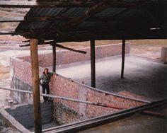 Peter Santolalla en las pozas de lixiviación MINCOSA.