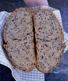 Pâine cu maia coaptă în oală Fish Recipes, Baking Recipes, Dessert Recipes, Falafel, Cooking Bread, Romanian Food, Paella, Good Healthy Recipes, No Bake Cake