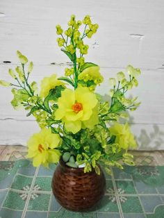 Selamat Datang Di Waroeng Kreasi...... Di sini dijual karya kreatifitas dari Bahan akrilik berupa bunga - bunga hias Selamat be...
