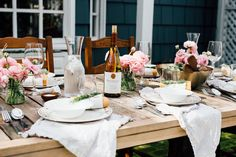 Having guests come to a fresh set table is always such a treat!