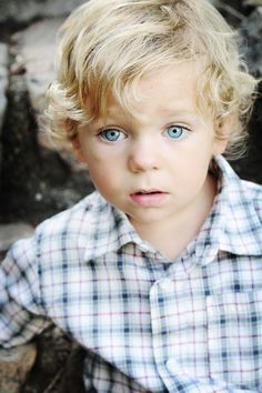 so cute! (blue eyes run in my family even though me and my hubby have brown eyes) crossing my fingers!