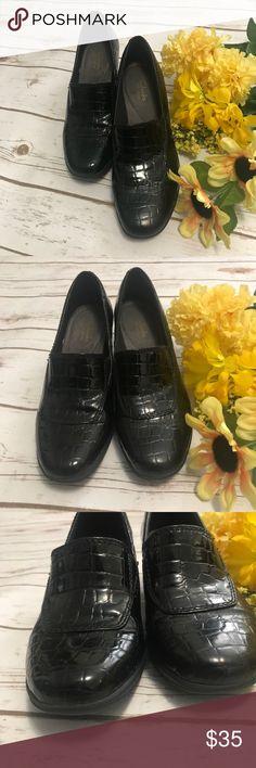 "Clarks Shoe Clarks Shoes Size 9M,  Heel is 2"" high Clarks Shoes Heels"