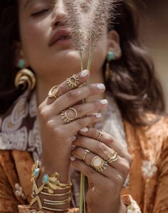 2 Bandits - Size 3 - 14 karat gold plated - Slightly adjustable - Worn on upper finger or worn as a pinky ring Opal ring from 2 Bandits. This open style ring features a white crystal and an opal cryst