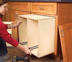 AW Extra – 3 Kitchen Storage Projects – Woodworking Shop – American Woodworker cabinet jig - helps to hold the boards together - giving…