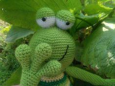 frog crochet frogamigurumi frog frog softiegreen by zizubizus