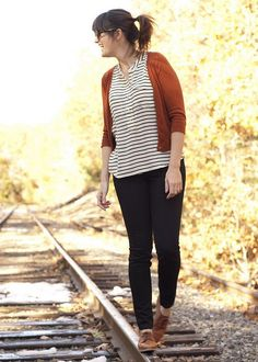this just might be the perfect fall outfit: a cardigan, a striped shirt, jeans and oxford shoes