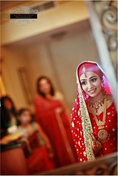 51 Inspirational Red Pakistani Bridal Outfits by {Irfan Ahson Photography} Bridal Hijab, Pakistani Bridal, Bridal Outfits, Bridal Dresses, Big Fat Indian Wedding, Red Wedding, Muslim Brides, South Asian Bride, Bridal Photography