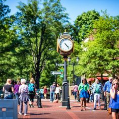 A day on Main Street in Greenville, SC. Photo by Ron Cline // yeahTHATgreenville