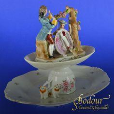 Serveerschaal etagere met poezen en Frans tafereel van porselein Frans, Tiered Cakes, Products, Gadget