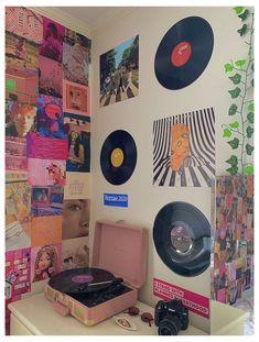 Indie Room Decor, Cute Room Decor, Aesthetic Room Decor, Aesthetic Indie, Aesthetic Vintage, Aesthetic Bedrooms, Cozy Aesthetic, Small Room Decor, Wall Decor
