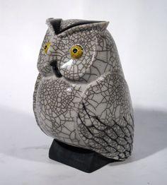 Ceramique chouette Ceramic Birds, Ceramic Animals, Clay Animals, Ceramic Clay, Raku Pottery, Pottery Sculpture, Sculptures Céramiques, Sculpture Art, Clay Birds
