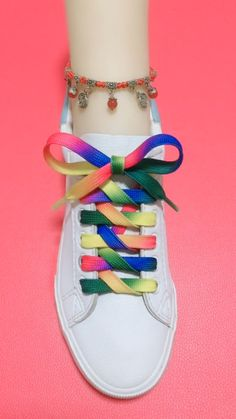 How to tie shoelaces Ways To Tie Shoelaces, Ways To Lace Shoes, Sagging Face, Face Wrinkles, Beauty Hacks, Beauty Tips, Face Skin, Facial, Muscle