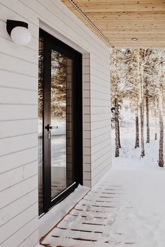 Wood Architecture, Architecture Details, Plan Chalet, Waterfront Cottage, Bungalow Exterior, Charleston Homes, Forest House, Prefab Homes, Home Interior Design
