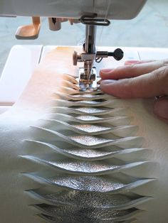 Leather Fish-Scale Cuffs: 9 Steps (with Pictures) Fabric Manipulation Techniques, Textiles Techniques, Techniques Couture, Sewing Techniques, Sewing Leather, Leather Craft, Fish Crafts Preschool, Preschool Christmas Crafts, Ideas