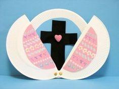 Aunque es un huevo de Pascua, y en nuestra cultura no lo celebramos, podemos cambiar la idea por un corazon por ejemplo, un regalo.. etc la idea es saber del regalo de la Salvacion.