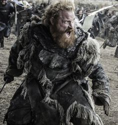 """It's a war in the North! Below are eight new photos from Sunday's eagerly anticipated """"Battle of the Bastards"""" episode of HBO's Game of Thrones. The face-off has Lord Jon Snow's (Stark) army up . Game Of Thrones Saison, Got Game Of Thrones, Jon Snow, Winter Is Here, Winter Is Coming, Dessin Game Of Thrones, Got Merchandise, Kristofer Hivju, Watchers On The Wall"""
