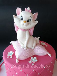 Marie Aristocats - For all your cake decorating supplies, please visit craftcomp. - Informations About Marie Aristocats - For all your cake decorating supplies, please visit craftcomp. Cat Fondant, Fondant Cakes, Cupcake Cakes, Kitten Cake, Birthday Cake For Cat, Marie Aristocats, Mom Cake, Animal Cakes, Cake Decorating Supplies