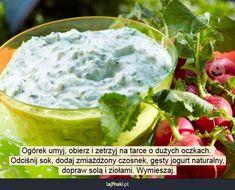 Jak zrobić sos tzatziki? - pomysły, triki, sposoby, lifehacki, porady Tzatziki, Guacamole, Cabbage, Food And Drink, Vegetables, Ethnic Recipes, Menu, Menu Board Design, Cabbages
