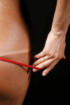 How to get a great self tan, I needed to read this considering I turned orange last time :(