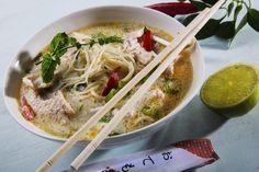 Thai-nudelsuppe med kylling