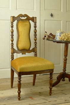 アンティーク チェアー(マスタード) French Antique Chair