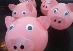 Balloon pigs - suitable for children's crafts or for a farmyard theme party Barnyard Party, Pig Party, Farm Party, Barn Crafts, Pig Crafts, 9th Birthday Parties, Pig Birthday, Peppa Pig Princesa, Fiestas Peppa Pig