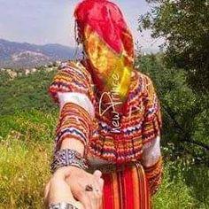 Social Platform, Traditional Dresses, Culture, Poses, Instagram Posts, Wedding, Clothes, Jun, Invite